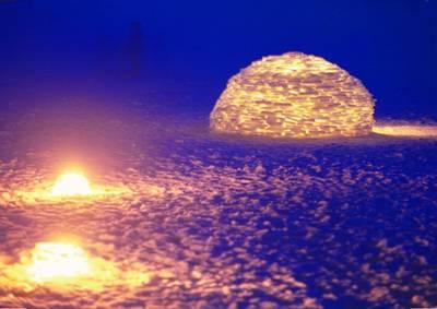 lighted+igloo+at+dusk+68964.jpg