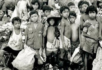 Exploited_Workers_009_child_garbage_pickers_edited.jpg