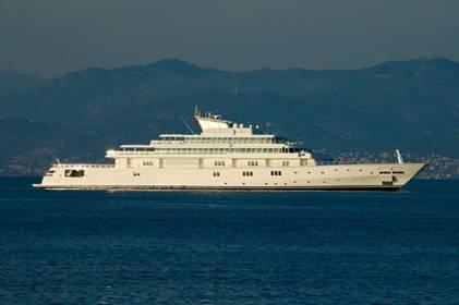 rising-sun-yacht.jpg