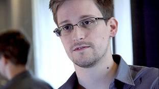 http://images.theage.com.au/2013/06/11/4480039/vd-Snowden-2-408x264.jpg