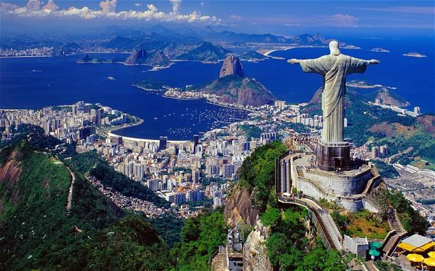 http://i.telegraph.co.uk/multimedia/archive/02352/the-giant-christ-t_2352863b.jpg