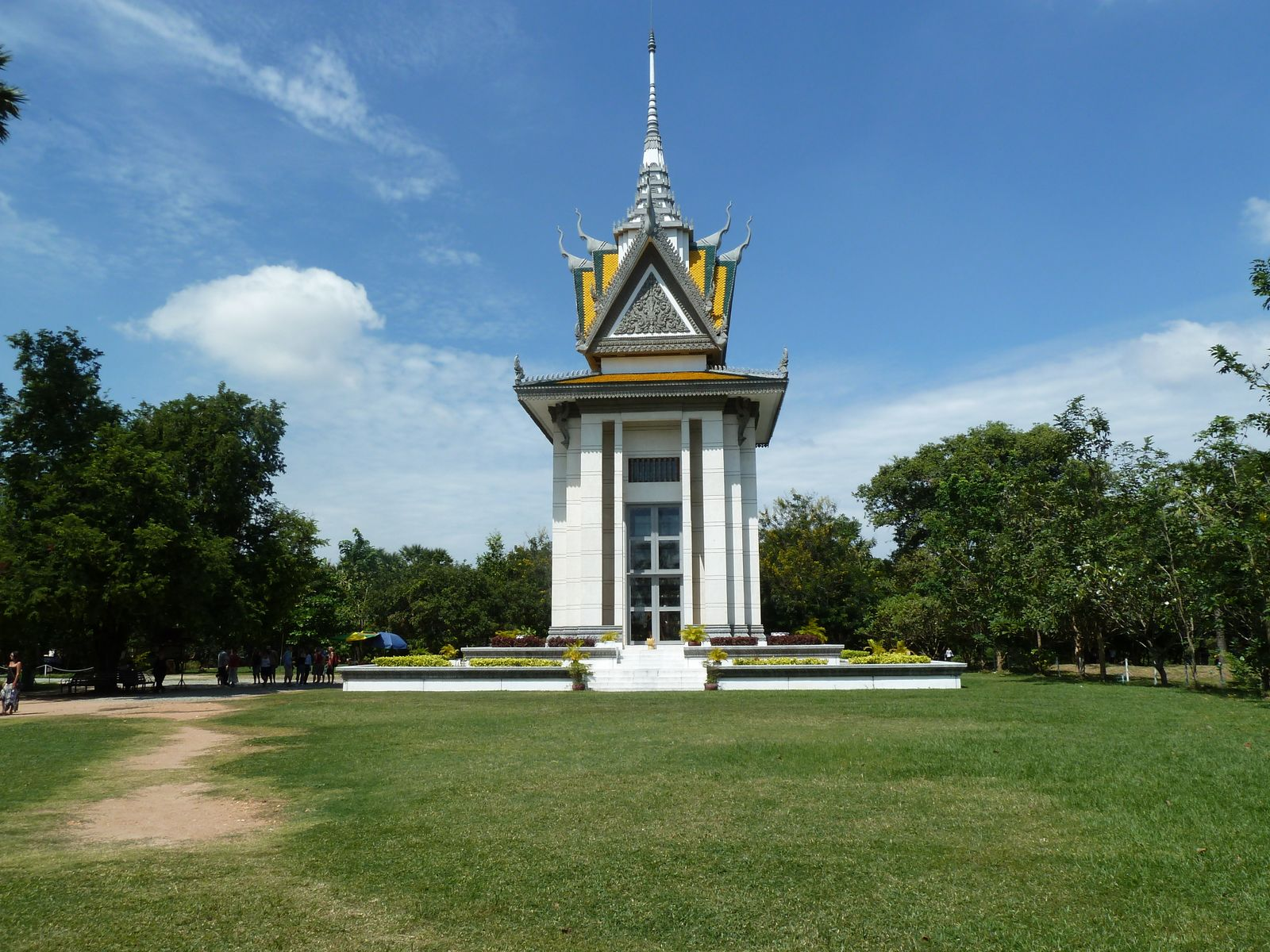 The-Killing-Fields-Memorial-Stupa-in-Phnom-Penh-Cambodia