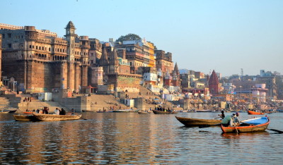 varanasi_ghats_at_ganges_by_joseluisrg-d4pehzb